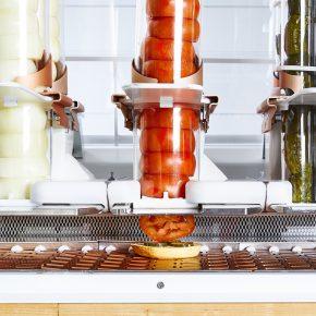 全球首家机器人汉堡店来袭,除了吃怕是个废人了