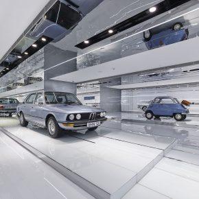 """快来这个全国首家的宝马博物馆体验""""红门""""之内的速度与激情"""