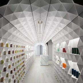 上千个切面钻石砖构成的拱形香水店,你想不想来看看