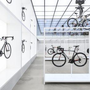 """这家酷爱未来主义的自行车店,竟把车都玩""""飘了""""!"""