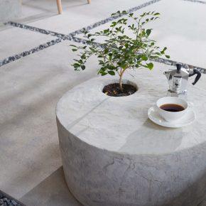 在地上撒点石子,一招变身人人爱的特色咖啡店!