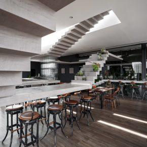 """楼梯通向""""无处""""的餐厅,基础元素创造新的可能性"""