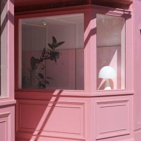 还再说粉色廉价烂大街?那是你还没看过这家全粉咖啡店