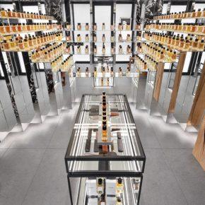 Celine首家香水店开业,光店铺设计就迷倒一片!