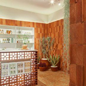 陶土砖+绿植,香水店也玩起了朴素田园风!
