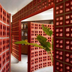 在设计师手里,陶土砖也能玩出通透感